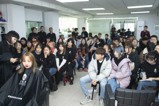 中国にて講習を行いました/美容室ブロッサム